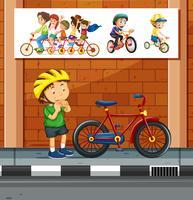 Les gens à vélo sur la route