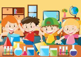 Les étudiants étudient en classe