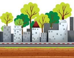 Bâtiments de la ville le long de la route