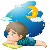 Petit garçon se sentir fatigué la nuit vecteur