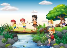 Enfants et ruisseau