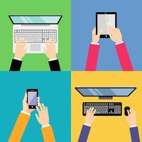 Mains d'affaires avec des gadgets