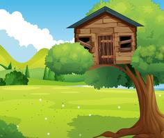 Cabane en bois dans le parc
