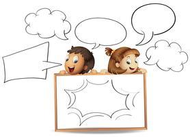 Garçon et fille avec des modèles de bulle de dialogue vecteur