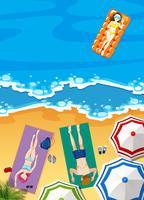 Vacances d'été sur la plage avec des gens se faire bronzer vecteur