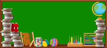 Tableau noir et différents objets d'école vecteur