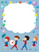 Modèle de frontière avec des enfants dans un groupe scolaire