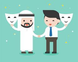 Homme d'affaires arabe et homme d'affaires serrent la main et ouvrent un masque