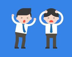 Deux panique homme d'affaires, conflit et problème dans le concept de bureau