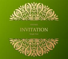 Conception élégante de carte Save The Date. Modèle de carte invitation floral vintage. Mandala de luxe swirl saluant les cartes or et verte
