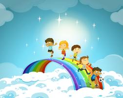 Enfants, debout, arc-en-ciel