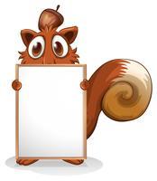 Un écureuil avec un tableau blanc vide
