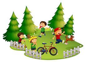 Enfants jouant dans un parc vecteur