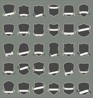 Boucliers et collection de ruban rétro élégant isolée sur fond blanc vecteur