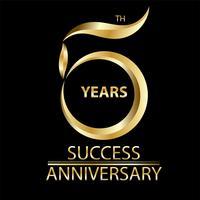 signe du 5ème anniversaire doré et logo pour le symbole de la célébration en or vecteur