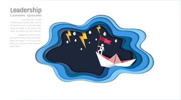 Concept de leadership, homme au sommet tenant un drapeau avec bateau contre la mer folle et le foudre dans la tempête.