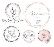 Création de logo de couronne de feuilles dessinée à la main vecteur