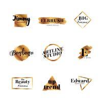 Collection de lettres avec lettres type pinceau doré