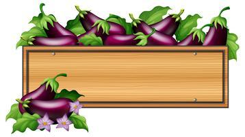 Planche de bois avec des aubergines vecteur