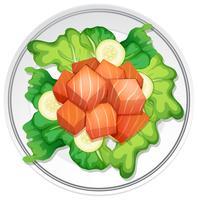 Salade de saumon sur fond blanc