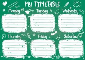 Modèle de calendrier scolaire à bord de craie avec texte écrit à la main de craie. Programme de cours hebdomadaire dans un style fragmentaire décoré de griffonnages d'école dessinés à la main sur tableau vert vecteur