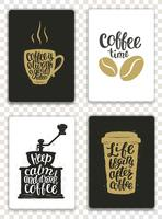Jeu de cartes modernes avec des éléments de café et lettrage. Modèles branchés hipster pour flyers, invitations, conception de menus. Couleurs noires, blanches et dorées. Illustration vectorielle de calligraphie moderne.