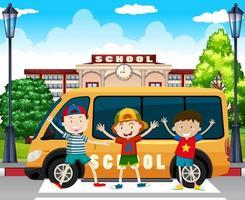 Garçons debout près de l'autobus scolaire vecteur
