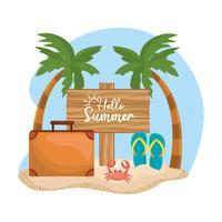 Bonjour message d'été sur panneau de bois dans le sable