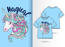 T-shirt dessiné à la main de jolie licorne magique vecteur