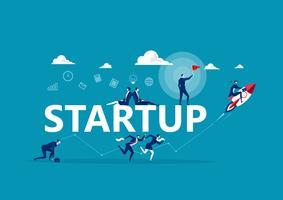 Personnes faisant différentes activités commerciales autour du mot Startup