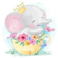Mignon petit éléphant assis à l'intérieur de la tasse de thé