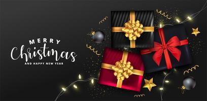 Fond de vacances avec des coffrets cadeaux réalistes, des boules de Noël et des confettis dorés.