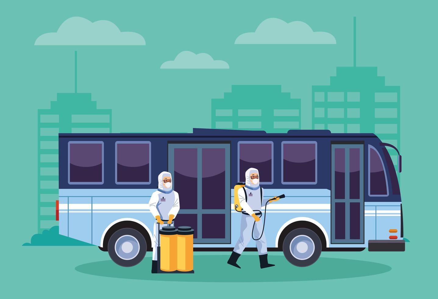 trabalhadores de biossegurança desinfetam ônibus contra covid 19 vetor