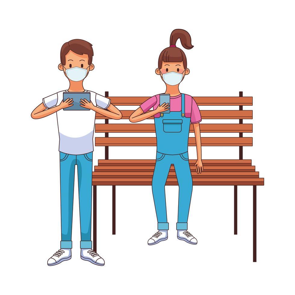 jovem casal usando máscara médica usando tecnologia sentado na cadeira do parque vetor