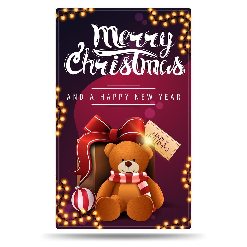 Feliz Natal e Feliz Ano Novo, postal vertical roxo com guirlandas e presente com ursinho de pelúcia vetor