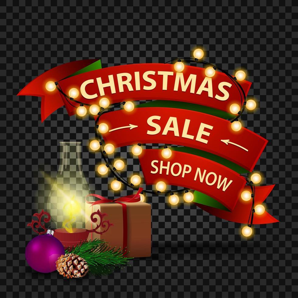 banner de desconto de natal em forma de fita vermelha com guirlanda, presente, lâmpada antiga, galho de árvore de natal, cone, bola de natal vetor