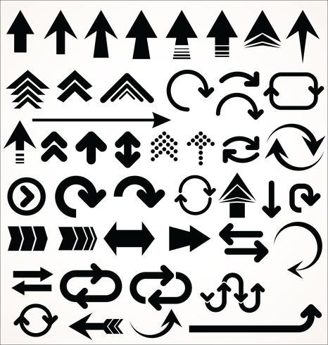 Conjunto de vetores de mão desenhada de formas de seta isolado no branco