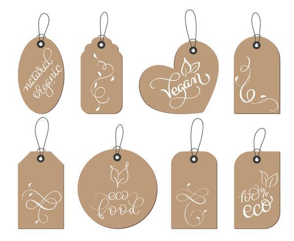 conjunto de coleta de vegan saudável de papel kraft, rótulo de etiquetas de alimentos orgânicos. Caligrafia letras feitas à mão texto. Ilustração vetorial EPS10 vetor