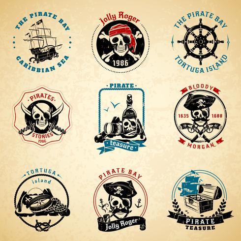 Conjunto de papel velho vintage de emblemas pirata vetor