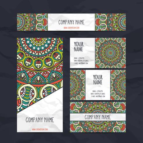 Cartões de visita e conjunto de identidade em estilo étnico. Elementos decorativos vintage. vetor