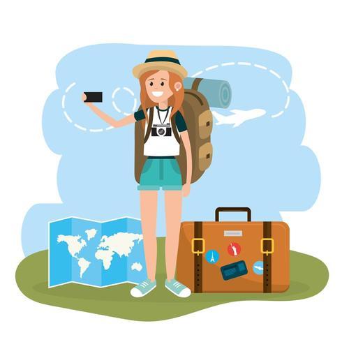 turista de mulher com smartphone e maleta de viagem vetor