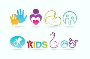 Vetores de logotipo de cuidados infantis