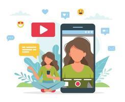 blogueiro de vídeo gravando vídeo com smartphone