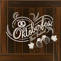 Oktoberfest mão desenhada letras na textura de madeira vetor