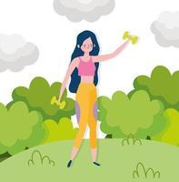 jovem mulher com halteres ao ar livre vetor