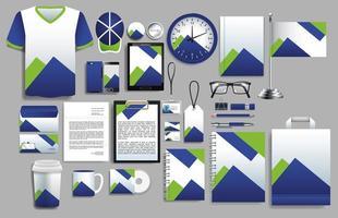 conjunto de elementos azuis, verdes com modelos de papelaria vetor