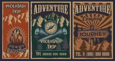 conjunto de pôsteres vintage de acampamento vetor