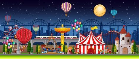 cena noturna de festival de parque de diversões vetor