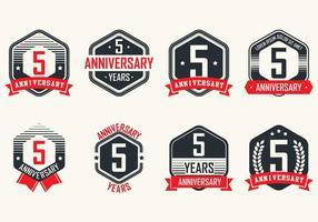 Aniversário emblemas vintage vetor