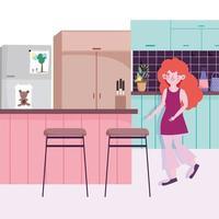 menina com geladeira, balcão e cadeiras na cozinha